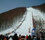 リステルスキーファンタジアでモーグル全日本選手権が開催